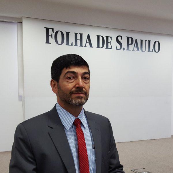 Dr. Aildo Rodrigues, presidente do PRB na cidade de São Paulo, em reunião na sede do jornal Folha de São Paulo