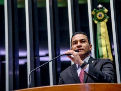 Emenda indicada por Marcos Pereira será utilizada para a compra de material esportivo, utensílios de cozinha, brinquedos e recursos tecnológicos