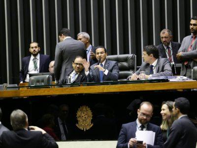 Aprovada emenda de Marcos Pereira que obriga divulgação dos contratos nos sites das contratadas