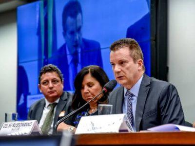 """""""Você é monitorado 24h por dia"""", afirmou Celso Russomanno, durante o debate na Comissão de Defesa do Consumidor"""