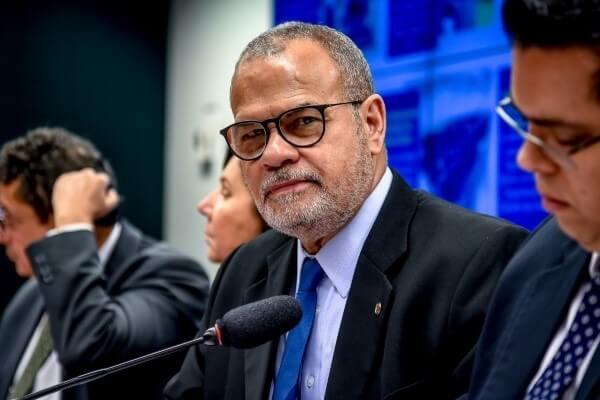 A pedido dos republicanos Jorge Braz e Celso Russomanno, a Comissão de Defesa do Consumidor promoveu audiência pública para debater a proteção de dados do consumidor