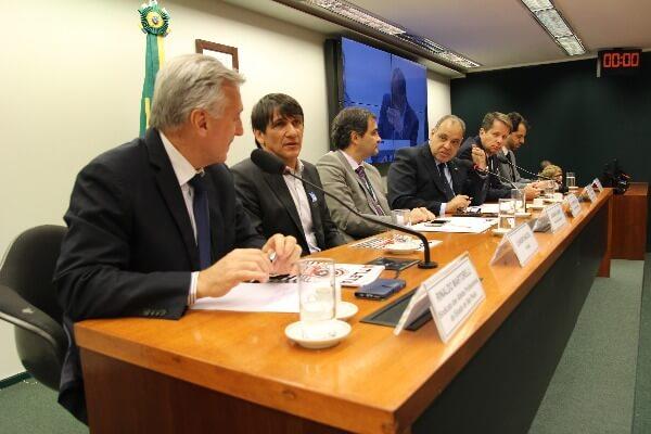 Audiência presidida pelo deputado federal Roberto Alves (Republicanos-SP), debateu projeto que inclui na Lei Pelé a assistência psicológica a atletas