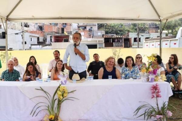 """A escola """"Neusa da Silva Almeida"""" atenderá 70 crianças com idades entre 0 e 3 anos em período integral"""