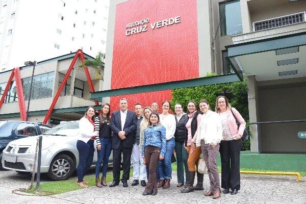 Deputado estadual Gilmaci Santos esteve na Associação Cruz Verde, entidade em que destinou emenda no valor de R$ 100 mil para compra de equipamentos