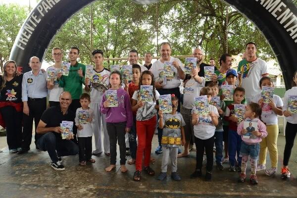 Evento ocorrerá neste sábado (26) na Praça da Matriz, à 9h, com apresentações culturais, gincana, brinquedos para as crianças e distribuição do gibi Robertinho e Sua Turma 2