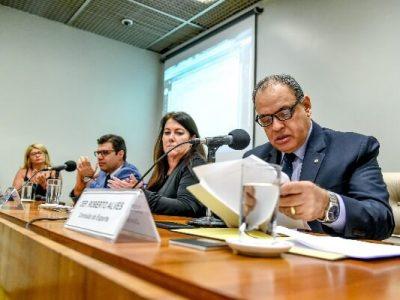 Promovido pelo deputado federal Roberto Alves, o debate tratou sobre a violência física e psicológica contra jovens atletas reúne especialistas